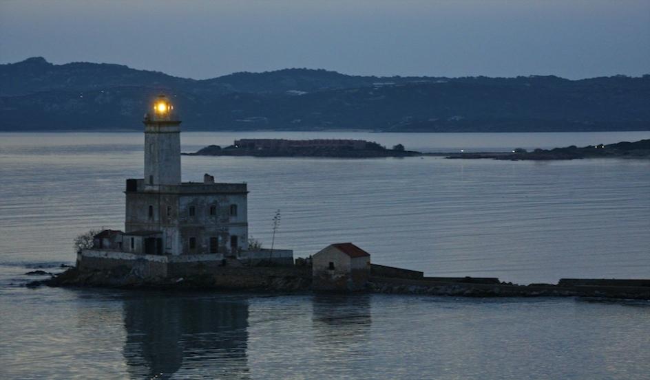 Olbia Lighthouse / Golfo Arrancia, Sardinien